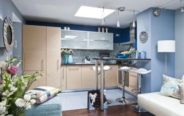 синий цвет в интерьере кухни гостиной 30 кв. метров