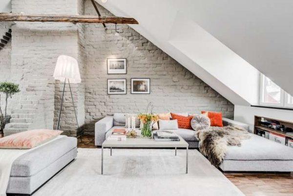 белый цвет в интерьере небольшой гостиной на мансарде