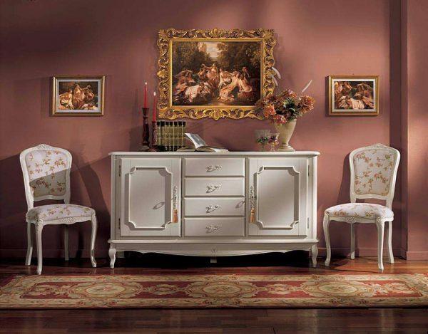 белый комод в гостиной в классическом стиле
