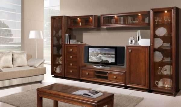 современная модульная классическая стенка в интерьере гостиной