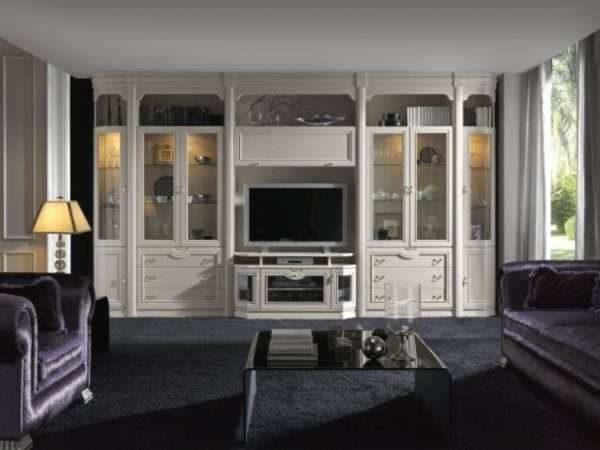 белая классическая современная модульная стенка в интерьере гостиной