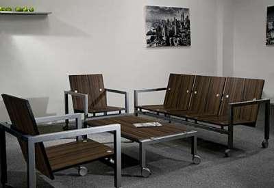 Модульная мебель в интерьере гостиной из металла