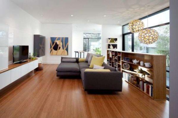 модульная мебель с диваном и библиотекой в гостиной