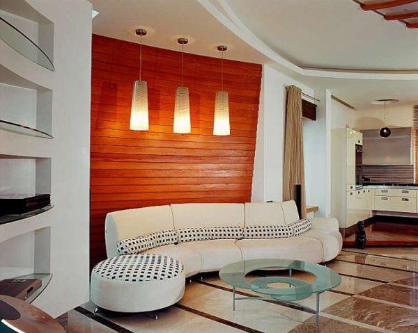 деревянные панели на стенах в гостиной