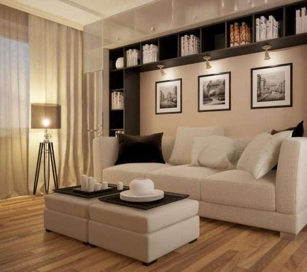 мебель на стенах в гостиной