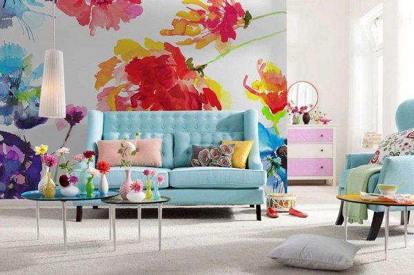 фотообои с крупными цветами в интерьере гостиной