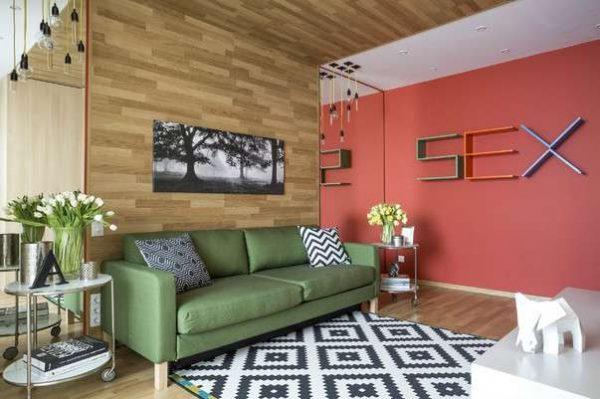 цветовое решение поможет сделать гостиную эконом класса современной