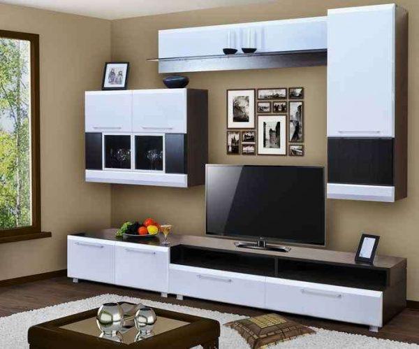 модульная мебельная стенка в гостиной с ремонтом эконом класса