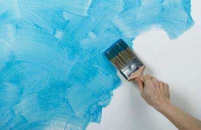 как красить стены кисточкой