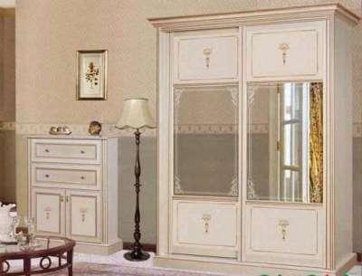 шкаф-купе в гостиной в стиле прованс
