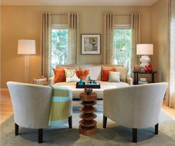 фактурные шторы в интерьере гостиной