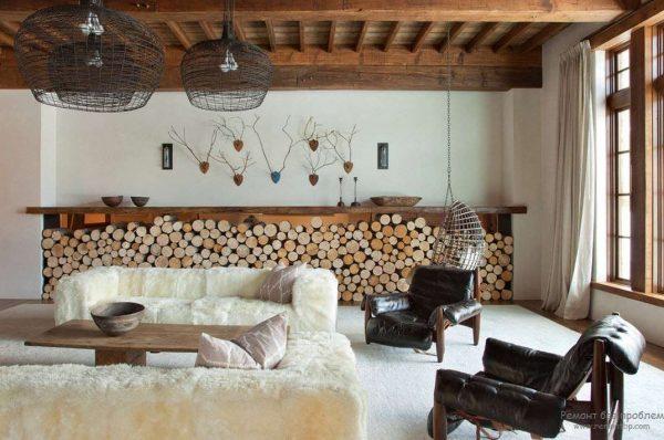 дерево в интерьере гостиной в скандинавском стиле