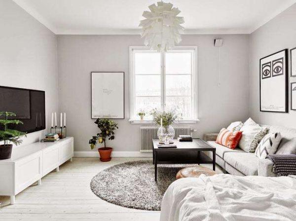 скандинавский стиль в гостиной с белым потолком