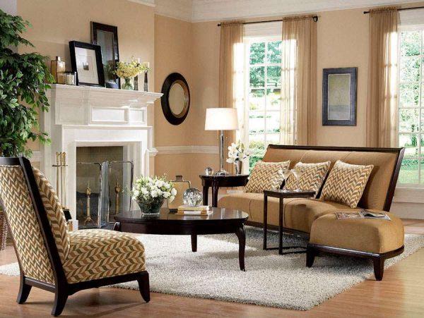 Сочетание бежевого и белого цветов в интерьере гостиной