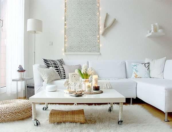 белый в интерьере гостиной