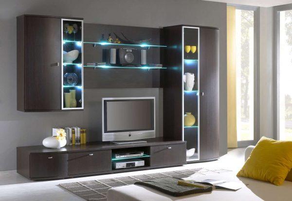 корпусная стенка горка в гостиной с подсветкой