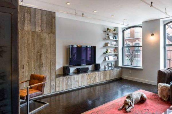 мебельная стенка в интерьере гостиной в эко стиле