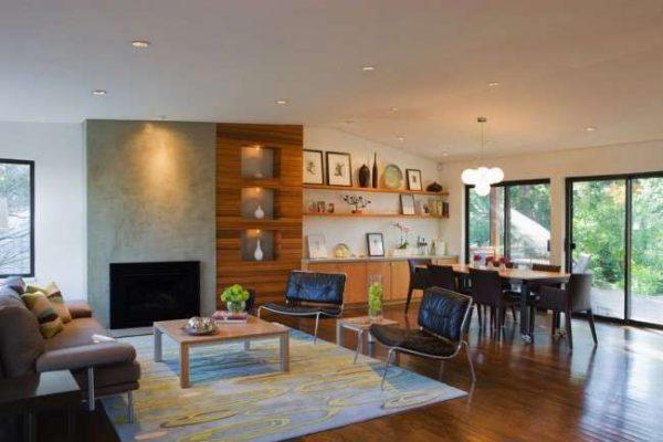 мебельная стенка в интерьере гостиной с открытыми полками