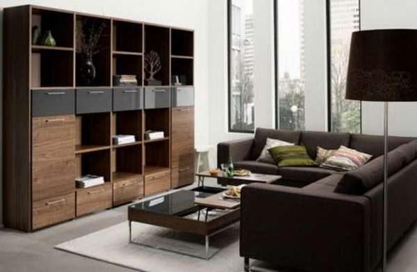 мебельная стенка из дерева в интерьере гостиной