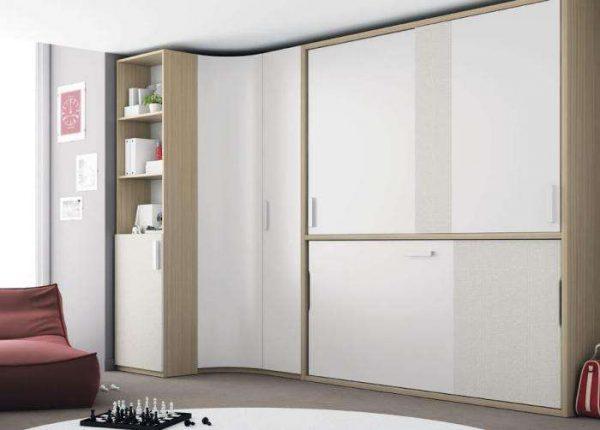 белый угловой шкаф в интерьере гостиной