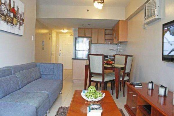 зонирование мебелью в совмещённой кухне гостиной 20 кв. метров