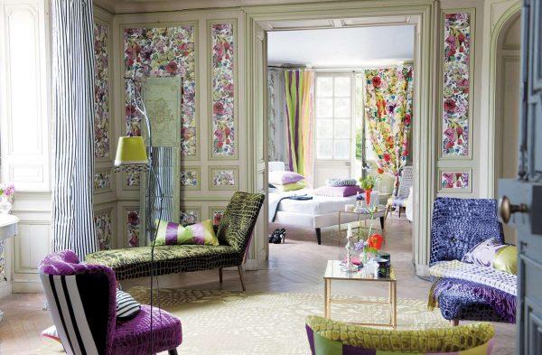 цветочные узоры в интерьере гостиной