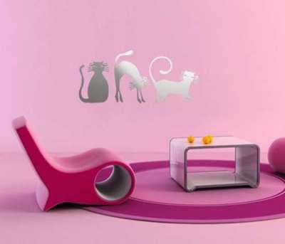 розовые стены в гостиной очень яркий интерьер