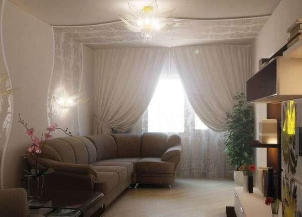интерьер небольшой гостиной в пастельных тонах