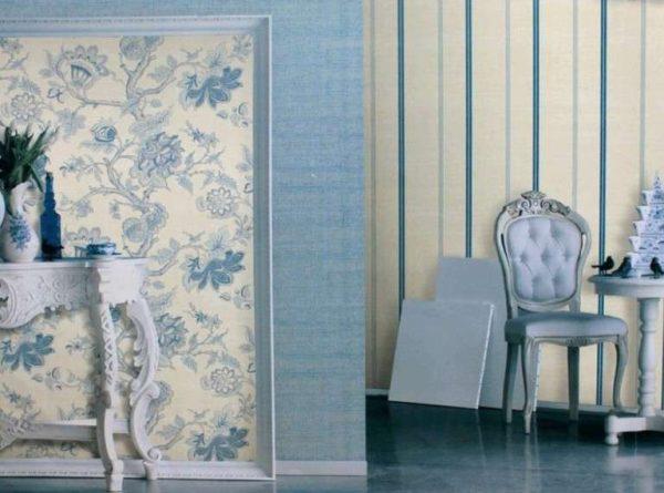 Дизайн гостиной с голубыми стенами