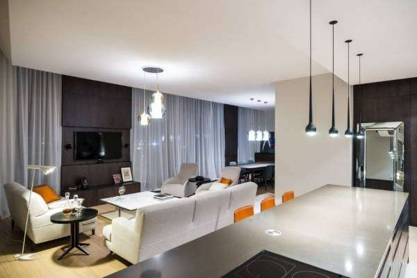 освещение в стиле хай тек в интерьер гостиной