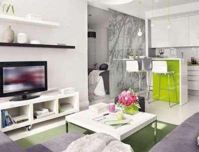 телевизор в интерьере гостиной в стиле хай тек