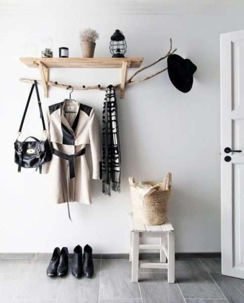 навесная полка для одежды в коридор