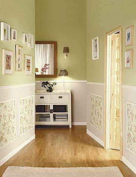 можно сочетать светлые пастельные оттенки в коридоре