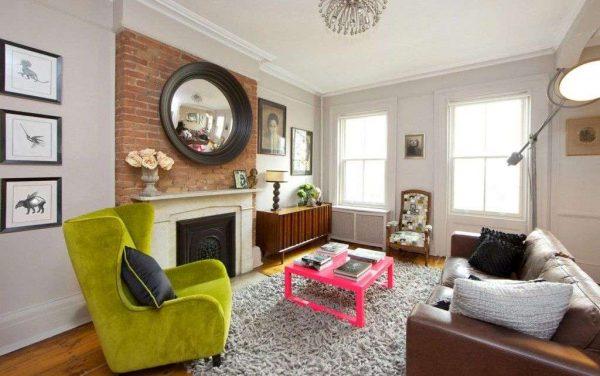 яркая мебель в современной гостиной