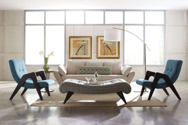 голубые кресла в современной гостиной