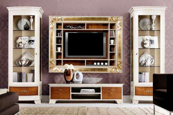 телевизор встроенный в навесной шкаф в гостиной