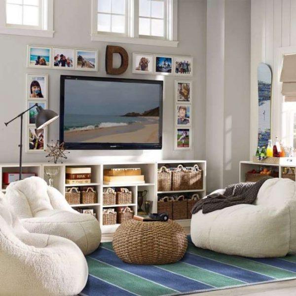 тумба с открытыми полками под телевизор в гостиной
