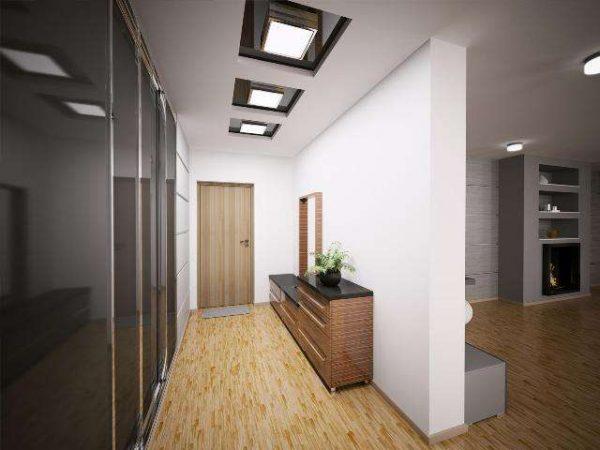 белый многоуровневый потолок со встроенными светильниками в коридоре