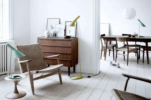 деревянный комод в прихожей в скандинавском стиле