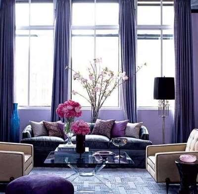 сиреневые шторы в интерьере фиолетовой гостиной