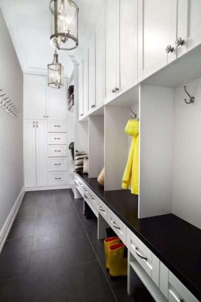 белый шкаф в узкую прихожую