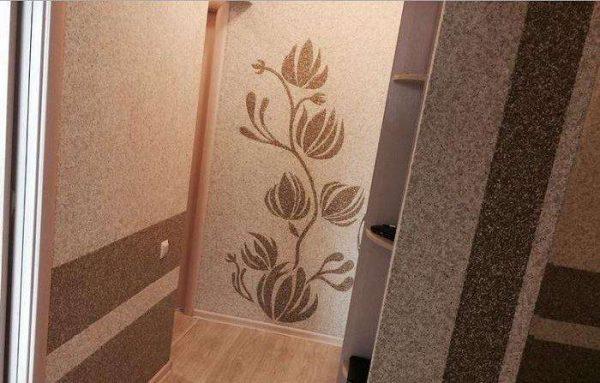 рисунок на жидких обоях в коридоре