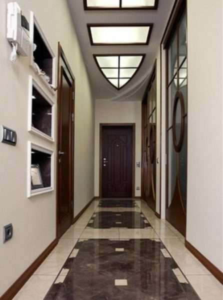 плитка на полу коридора в квартире