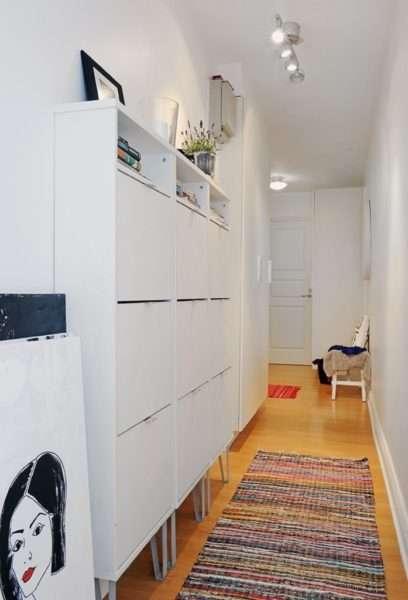 белый шкаф в коридоре квартиры