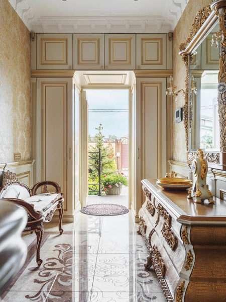 мебель в классическом стиле в коридоре