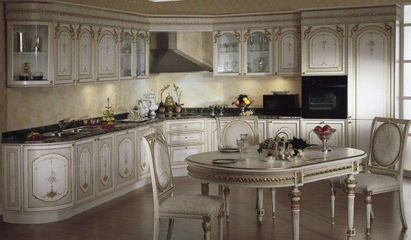 классический стиль белой кухни с чёрной столешницей