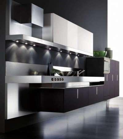 интерьер чёрной кухни в стиле хай тек