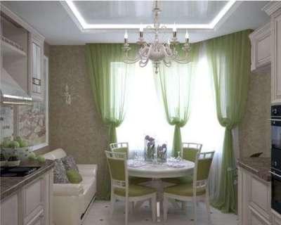 стильные полупрозрачные шторы на кухне с эркером