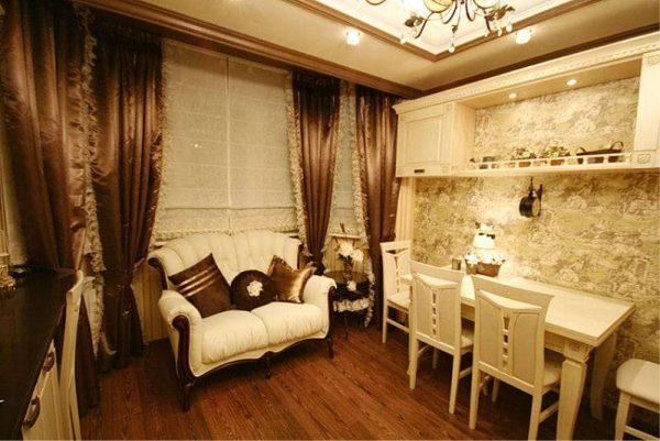 стильный диванчик у окна эркера на кухне