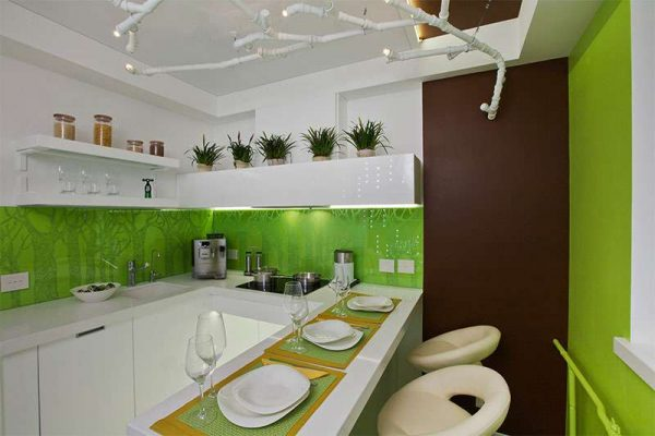 зелёные стены в интерьере кухни